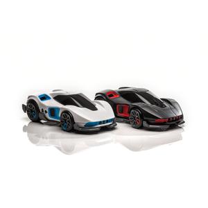 R.E.V deux voitures de course et de combat connectées Noir & Blanc